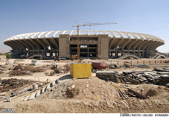 http://www.payvand.com/news/09/oct/Shiraz-Azadi-Stadium-construction1.jpg