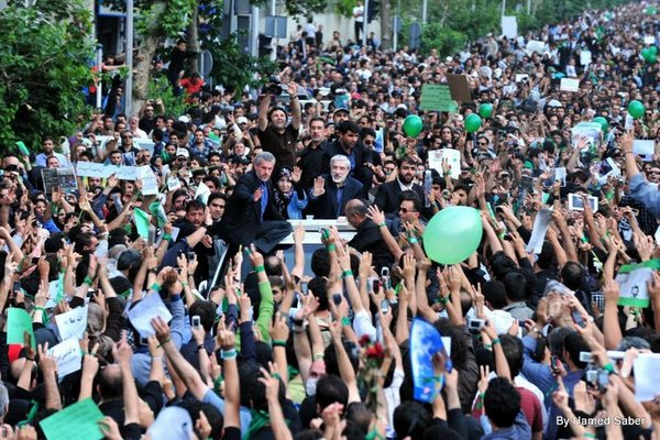 Mir Hossein Mousavi among the opposition supporters