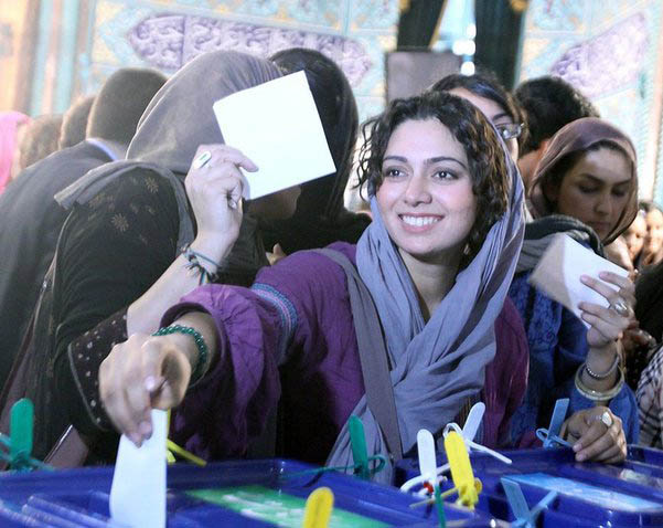 Iranian actress and blogger Pegah Ahangarani voting in June 2009 elctions